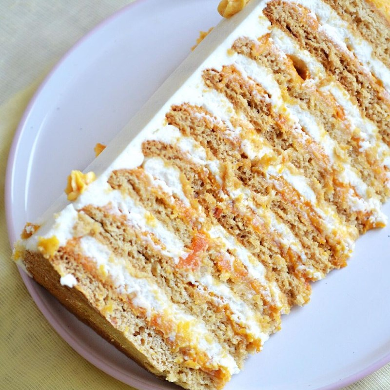Honey cake with brandy, creamy dried apricots puree, roasted candied almonds & cream cheese-2