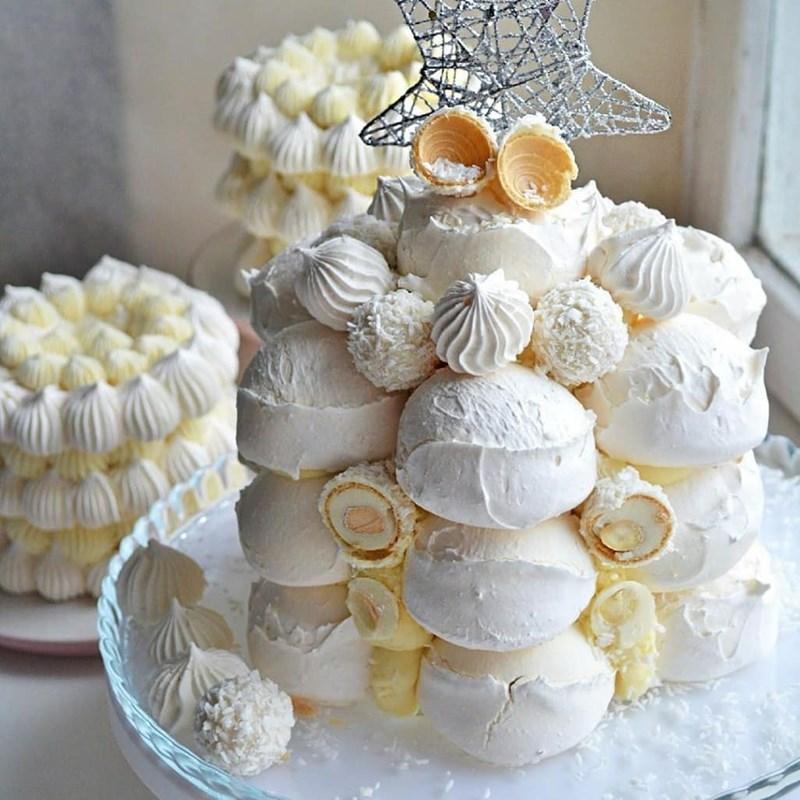Coconut meringue cake with mascarpone and white chocolate-2