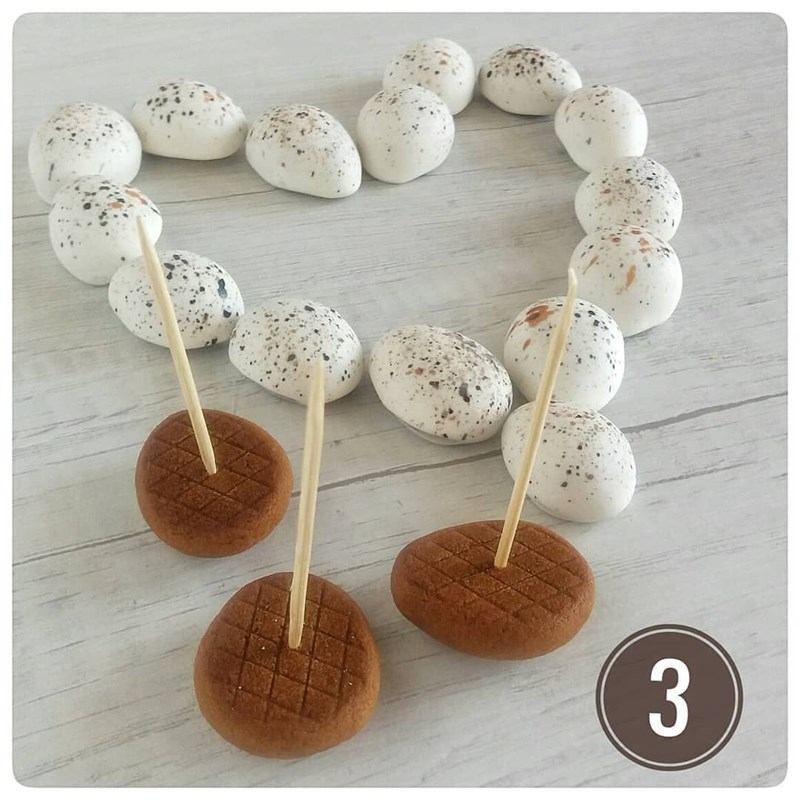 Gingerbread Easter eggs-5