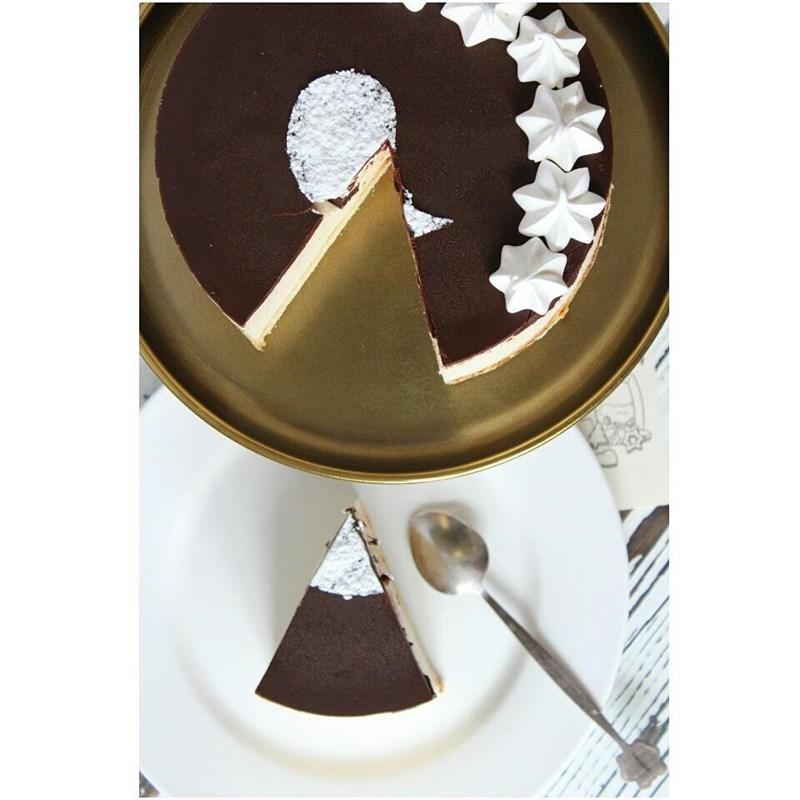 MERINGUE SOUFFLE CAKE-2