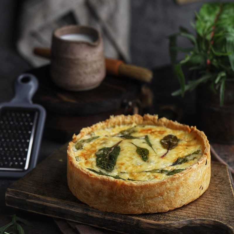 Quiche with cottage cheese and herbs-3