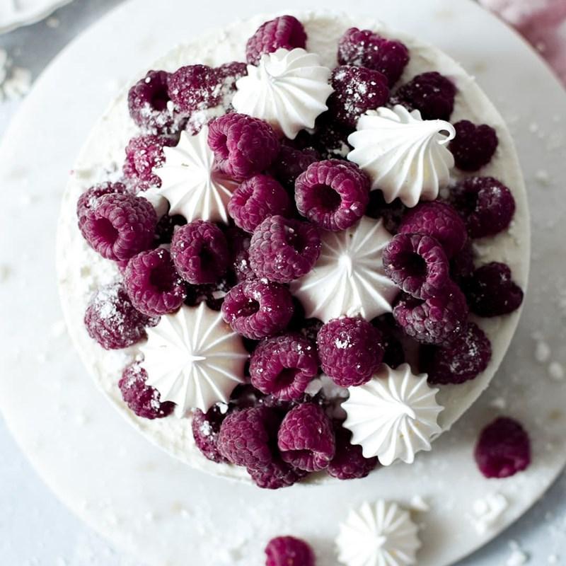 Coconut cheesecake with raspberries-5