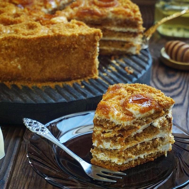 SPONGE HONEY CAKE-2