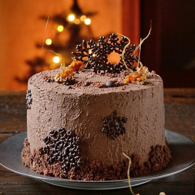 CHOCOLATE VELVET CAKE-2