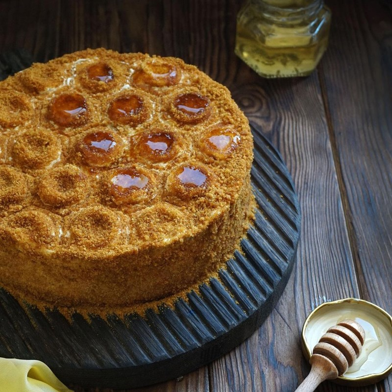SPONGE HONEY CAKE-3