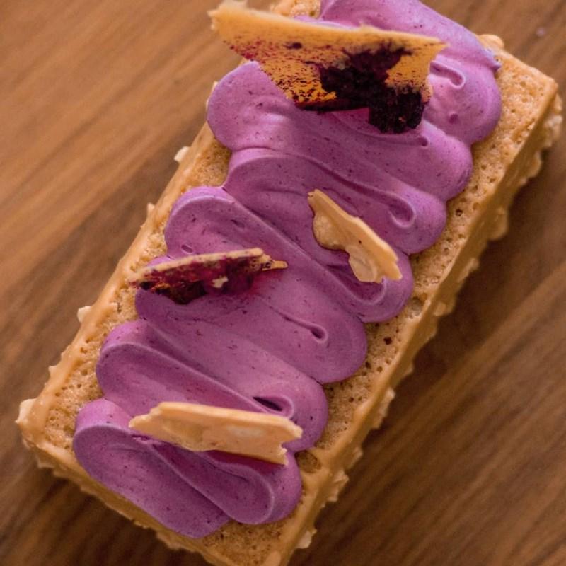 Peanut tea cake with blackberries-3