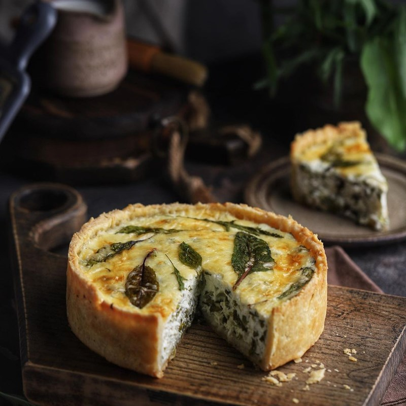 Quiche with cottage cheese and herbs-2