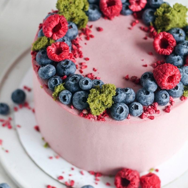 Matcha tea cake with raspberry-2