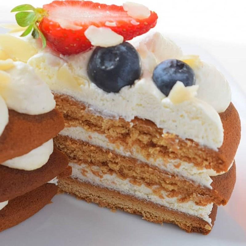 SMALL HONEY CAKES-2