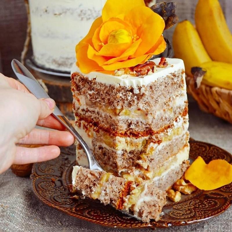 Pecan & banana cake-2